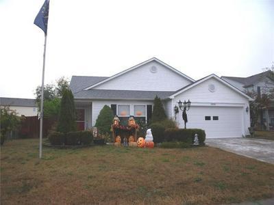 9192 HUNTLEIGH CIR, Plainfield, IN 46168 - Photo 1
