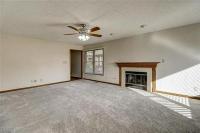 2964 COLONY LAKE WEST DR, Plainfield, IN 46168 - Photo 2