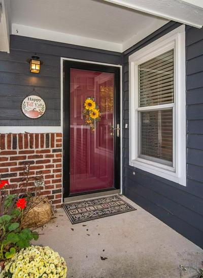 2833 SUNNYFIELD CT, Indianapolis, IN 46228 - Photo 2