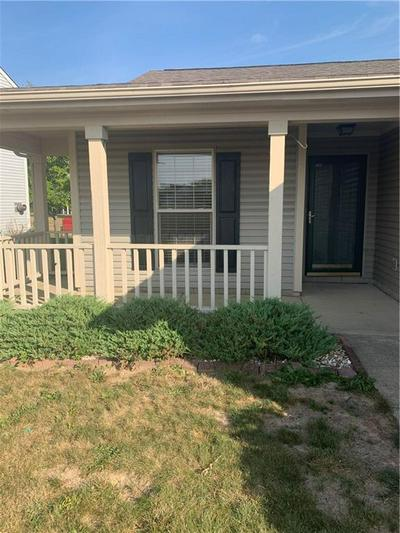 9606 FRONTIER ST, Fishers, IN 46038 - Photo 2