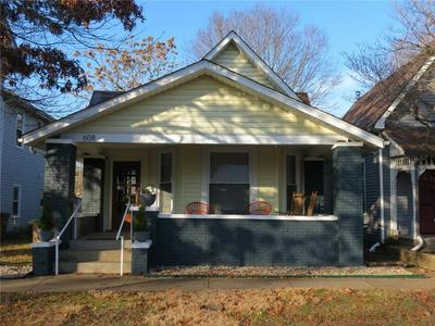 608 LAFAYETTE AVE, Columbus, IN 47201 - Photo 1