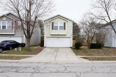 6529 BLACK ANTLER DR, Indianapolis, IN 46217 - Photo 2
