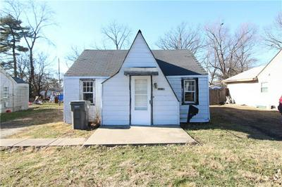 1218 S CHESTER AVE, Indianapolis, IN 46203 - Photo 1