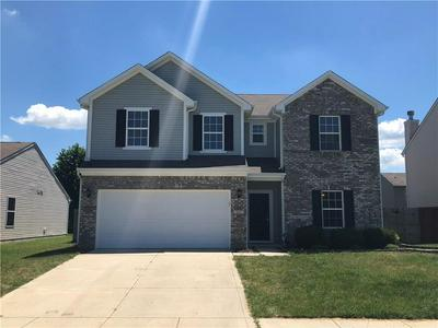 661 GRASSY BEND DR, Greenwood, IN 46143 - Photo 1