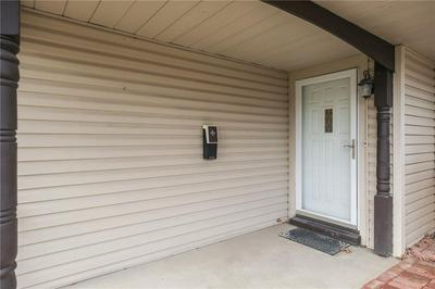 6110 ASHWAY CT, Indianapolis, IN 46224 - Photo 2