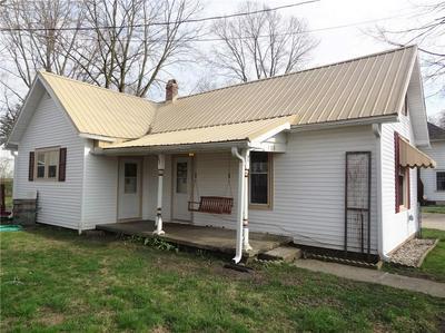 108 S MARKET ST, Lewisville, IN 47352 - Photo 1