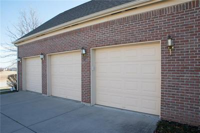 13164 BECKWITH DR, Carmel, IN 46074 - Photo 2