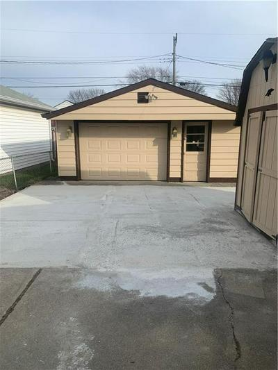 1619 ENGLEWOOD DR, Indianapolis, IN 46219 - Photo 2