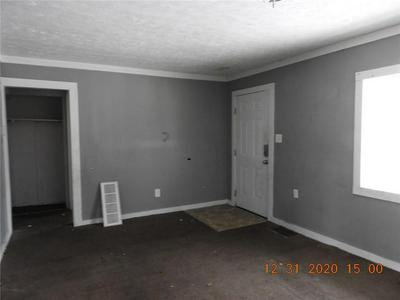 2925 N GLADSTONE AVE, Indianapolis, IN 46218 - Photo 2