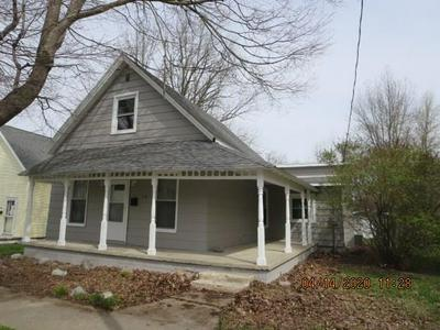 510 W MAIN ST, Thorntown, IN 46071 - Photo 1