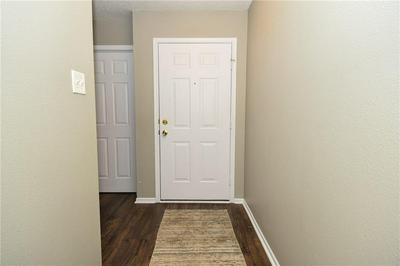 1827 POPPY DR, Indianapolis, IN 46231 - Photo 2
