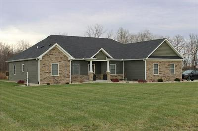 1352 W WADE AVE, Crawfordsville, IN 47933 - Photo 2