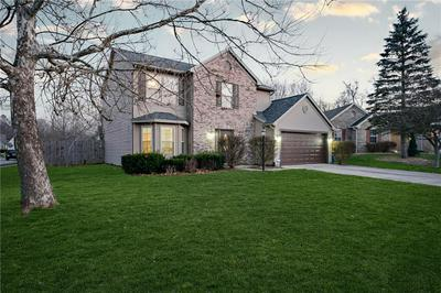 7723 STRATFIELD DR, Indianapolis, IN 46236 - Photo 2