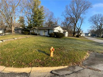 1 FAIRLANE EAST CT, Danville, IN 46122 - Photo 2