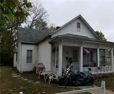917 N 7TH ST, Terre Haute, IN 47807 - Photo 2