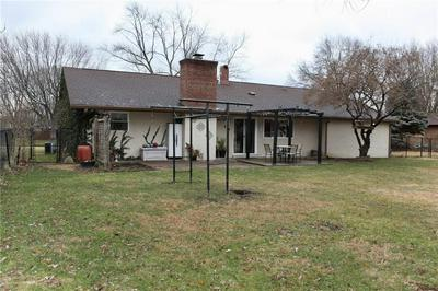 3318 SHADOW BROOK DR, Indianapolis, IN 46214 - Photo 2