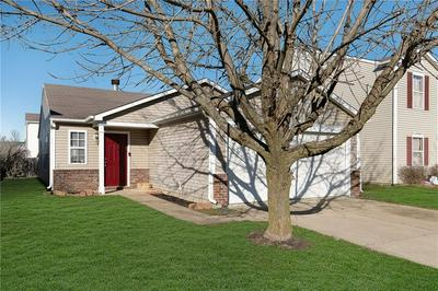 9126 WANDFLOWER DR, Indianapolis, IN 46231 - Photo 2