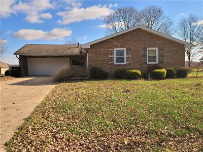 10122 N HICKORY LN, Columbus, IN 47203 - Photo 1