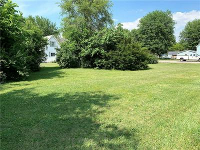 210 E FOREST HOME ST, Roachdale, IN 46172 - Photo 2