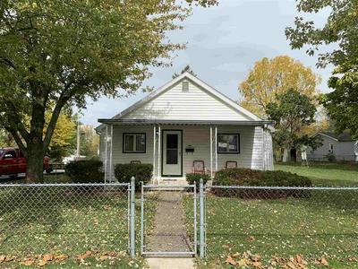 401 E 4TH ST, Hartford City, IN 47348 - Photo 1