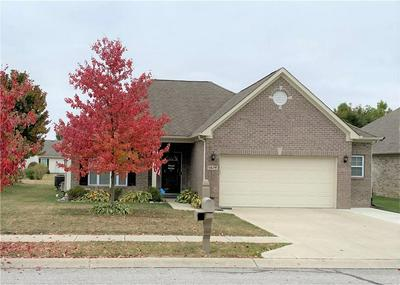 5679 AUGUSTA WOODS DR, Plainfield, IN 46168 - Photo 1