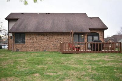 433 MULBERRY CT, Seymour, IN 47274 - Photo 2