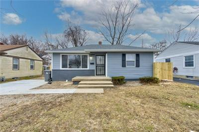3360 MANOR CT, Indianapolis, IN 46218 - Photo 1