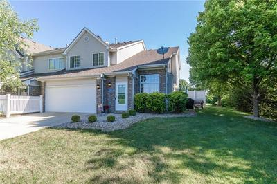 11433 ENCLAVE BLVD, Fishers, IN 46038 - Photo 2