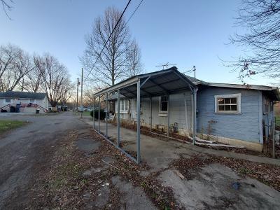 1524 E LYNN ST, Anderson, IN 46016 - Photo 2