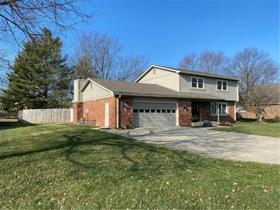 1308 GREENHILLS RD, Greenfield, IN 46140 - Photo 2