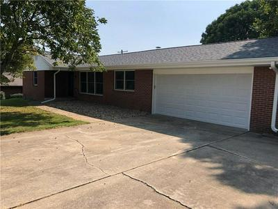 2063 N LAKEVIEW DR, Seymour, IN 47274 - Photo 2