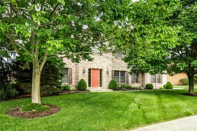 5935 HICKORY WOODS DR, Plainfield, IN 46168 - Photo 2