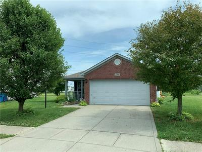 8146 CORKTREE DR, Indianapolis, IN 46239 - Photo 2