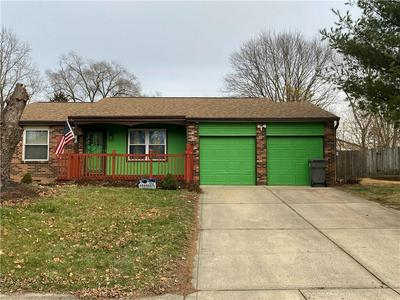 7519 TURNBERRY CT, Indianapolis, IN 46237 - Photo 2