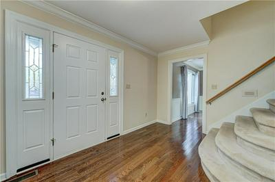 11188 WESTMINSTER CT, Carmel, IN 46033 - Photo 2