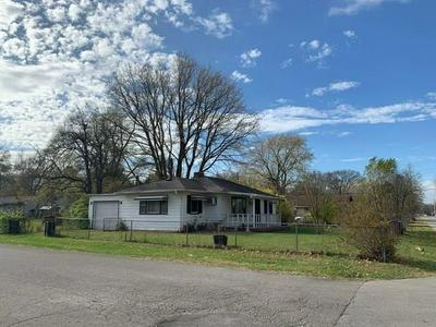 2301 W 16TH ST, Anderson, IN 46016 - Photo 2