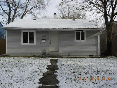 2925 N GLADSTONE AVE, Indianapolis, IN 46218 - Photo 1