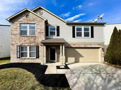 14290 WEEPING CHERRY DR, Fishers, IN 46038 - Photo 1