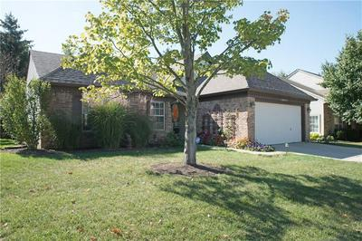 10827 GATE CIR, Fishers, IN 46038 - Photo 2