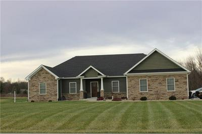 1352 W WADE AVE, Crawfordsville, IN 47933 - Photo 1