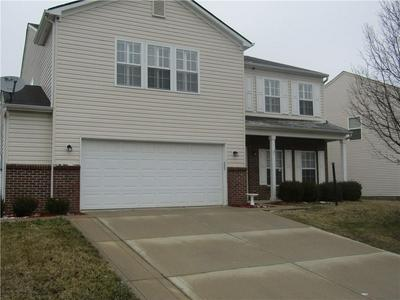 10422 BELLCHIME CT, Indianapolis, IN 46235 - Photo 2
