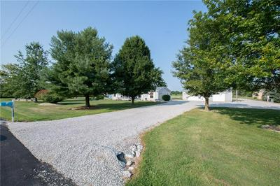 4212 S COUNTY ROAD 550 W, Coatesville, IN 46121 - Photo 2