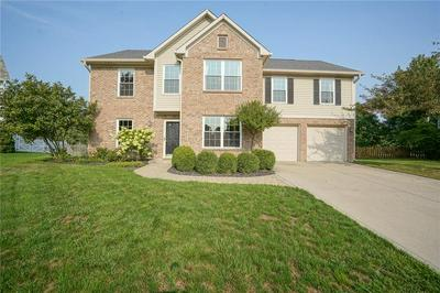 9640 BRADFORD KNOLL DR, Fishers, IN 46037 - Photo 1
