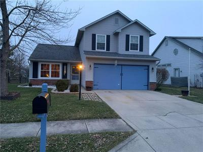 18450 HARVEST MEADOWS DR E, Westfield, IN 46074 - Photo 1