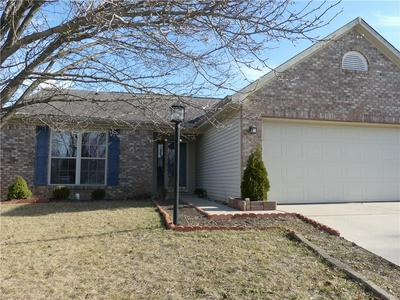 5523 GLEN CANYON DR, Indianapolis, IN 46237 - Photo 2