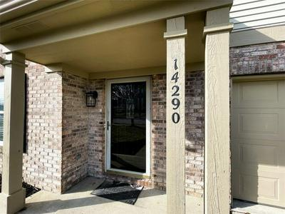 14290 WEEPING CHERRY DR, Fishers, IN 46038 - Photo 2
