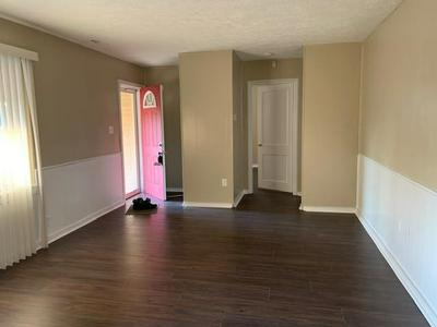 2402 N SHERIDAN AVE, Indianapolis, IN 46219 - Photo 2