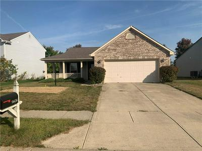 9606 FRONTIER ST, Fishers, IN 46038 - Photo 1