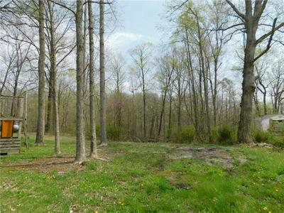 19553 E LAKE SITE DR, Hope, IN 47246 - Photo 1