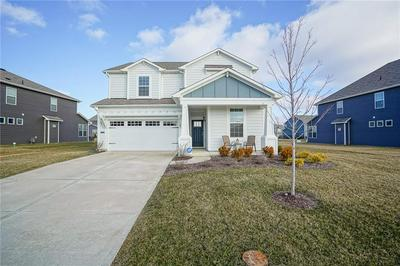 15398 FOREST GLADE DR, Fishers, IN 46037 - Photo 2